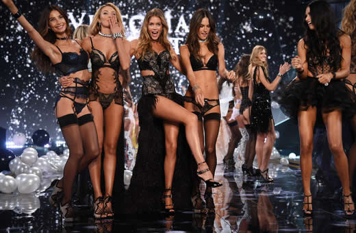 this_years_spectacular_2014_victorias_secret_fashion_show_was_occurred_in_london-2