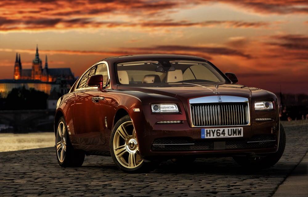 World´s leading super-luxury car manufacturer appoints dealership in Prague