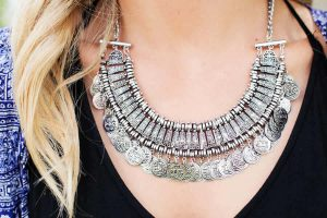 Timeless Style- Jewelry and Fashion Shopping Guide
