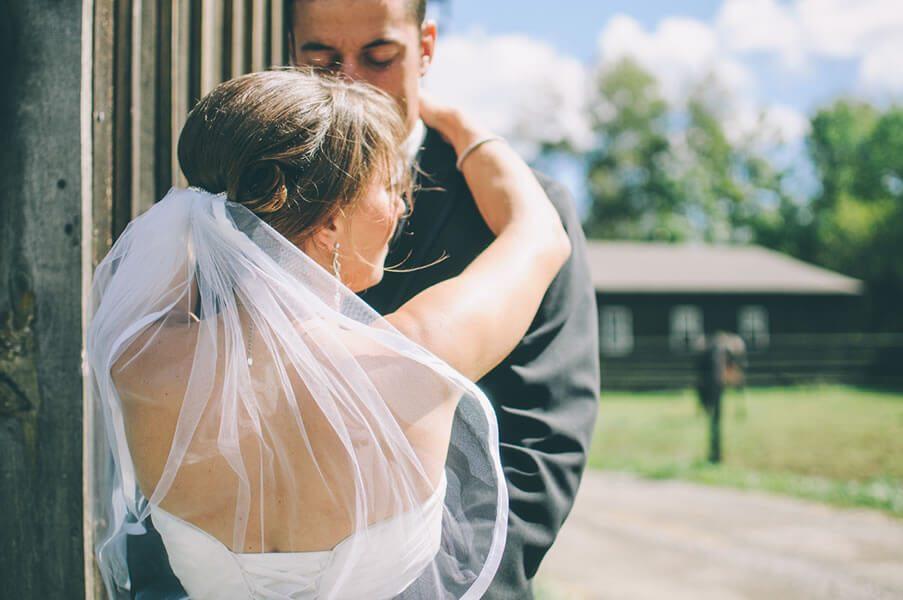Top Tips on Plus-Size Wedding Dress Shopping
