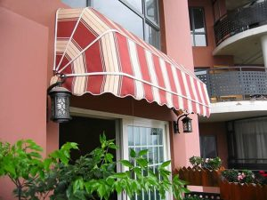 7 Different Types of Outdoor Blinds and Awnings for Home