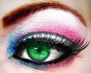 Last minute evening party makeup tips to get you party ready