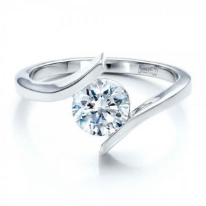 Top 5 Timeless Engagement Rings to Seal the Eternal Love Bond