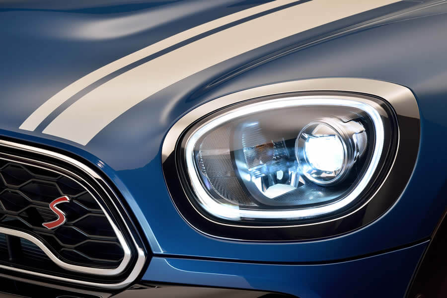 Driving fun for every occasion: The new MINI Countryman.
