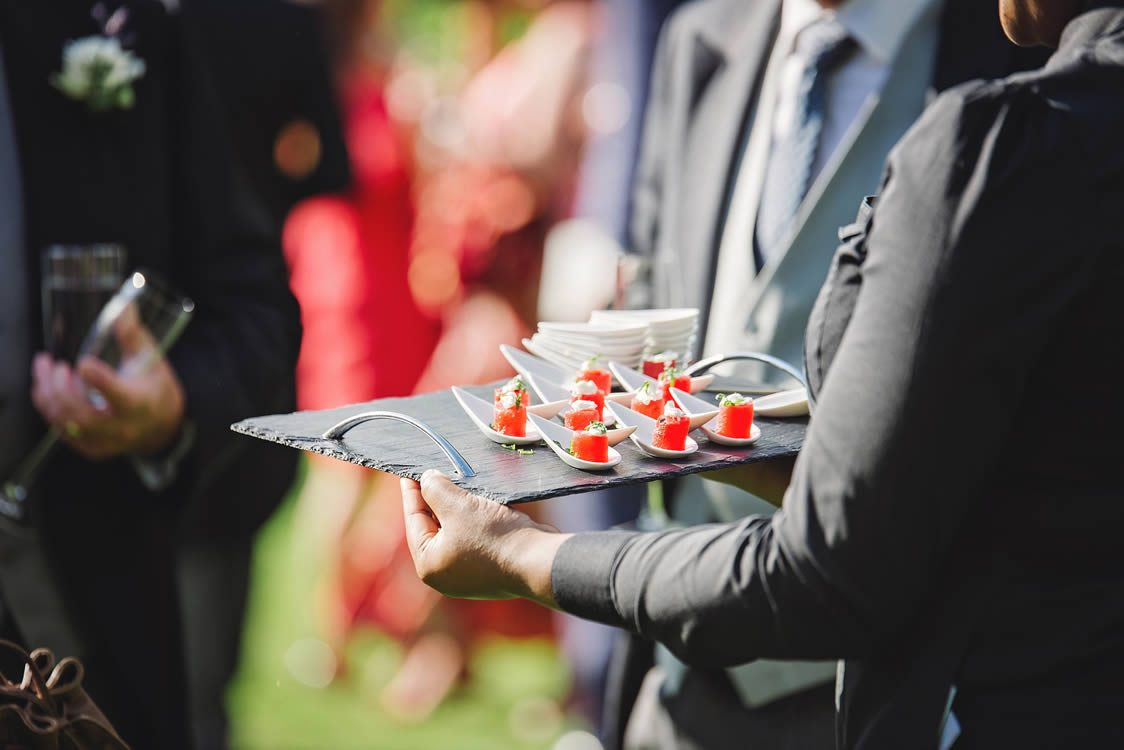Tips to Choose Professionals for Catering Corporate Events