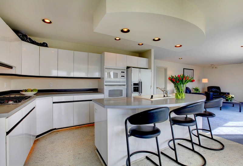 Why would you visit to the Custom Kitchen Showrooms?