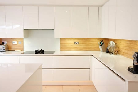 A Guide to Buy the Best Kitchen Splashbacks
