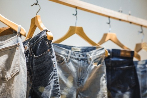 you can now easily choose Jeans or Denim