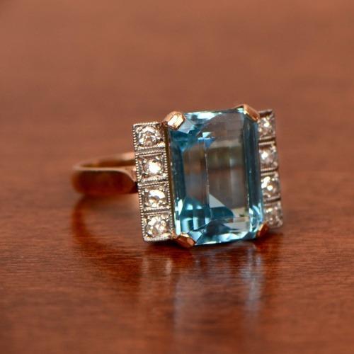 Aquamarine Artistic Gold Ring