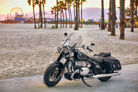 The new BMW R 18 Classic and the new BMW R 18.